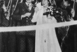 Nejslavnější český sportovní pár. Emil a Dana Zátopkovi v den své svatby.