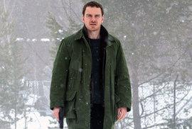 S prvním sněhem dorazí Sněhulák. Film podle románu Jo Nesba se představuje v mrazivém …