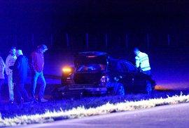 V noci bouralo auto se Zaorálkem, ministr je zraněn