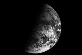 Tři roky za 36 vteřin. Unikátní video z družice ukazuje, jak se na Zemi střídají roční …