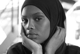 Muslimská modelka Amina Adan