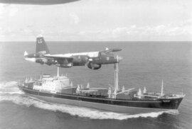 Americké námořnictvo a letectvo začalo blokádu Kuby