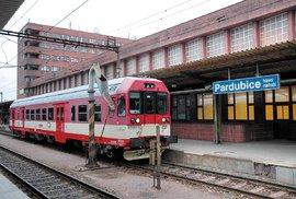 O čem sním, když náhodou spím: Proč nemá Česko pořádné železnice a silnice jsou hrozné