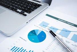 Podílové fondy jsou stále oblíbenější, investuje do nich každý sedmý Čech