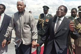 Mugabe vs. Mandela: Oba koketovali s násilím a tíhli ke komunismu. Jak se stal z…