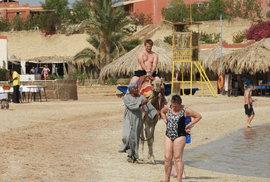 Mohou jet čeští turisté do Egypta po novém útoku teroristů? Ano, bezpečných míst je dost