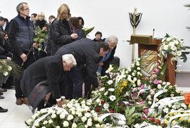Tenisový svět se v Brně rozloučil s Janou Novotnou. Na pohřeb přišli Kvitová, Suková i Korda