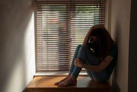 Máte deprese? Možná vám chybí látka důležitá pro metabolizaci tuků a produkci energie