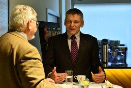 Kandidát na prezidenta Jiří Hynek. Do boje o Hrad ho poslali svými podpisy poslanci. Zda to bylo v pořádku prověří Nejvyšší správní soud