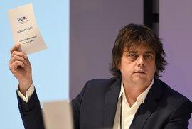 Sněmovna nevydala poslance Roznera z SPD za jeho výroky o táboře v Letech. Policie…