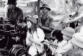 Když to bojovnice zapravdu přeženou, je ztoho pěkná polízanice: Jane Fondová vroce 1972 veVietnamu