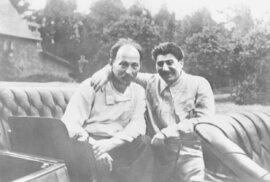 Felix Edmundovič Dzeržinskij společně se Stalinem