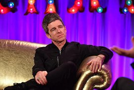 Gallagher v televizní talkshow.