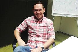 Bookmaker Michal Hanák: Nejhorší by pro nás byla výhra Topolánka, na ní bychom hodně prodělali