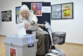 Volby online: Kdo vyhrál volby do Senátu a kdo uspěl krajích? Online komentované…