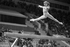 Tragický příběh sovětské gymnastky Muchinové. Při nebezpečném saltu si zlomila vaz