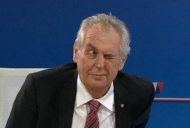 Miloš Zeman se omluvil, ze tří omluv mu tedy zbývá poslední. Potom si ho k sobě…