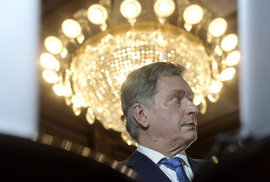 Finský prezident Sauli Niinistö se syny v roce 2004 přežil cunami v Thajsku