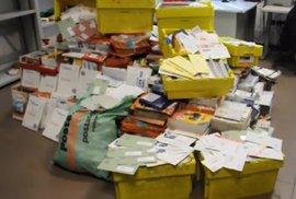 Italský pošťák doma nashromáždil půl tuny nedoručené pošty. Podobně bizarních…