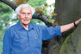 Miroslav Zikmund, muž, který se nenechal Moskvou vyhladovět, slaví 99 let