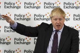 Britský ministr zahraničí Boris Johnson během projevu o brexitu.