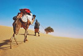 """Nehostinná Mauritánie aneb Cesta """"postapokalyptickou"""" krajinou na stopnutém nákladním vlaku"""