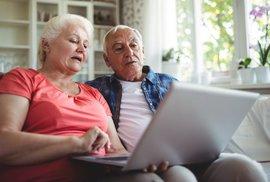 Starci na netu. Výzkum ukázal, že e-mailové spamy, hoaxy a dezinformace nejvíce šíří senioři