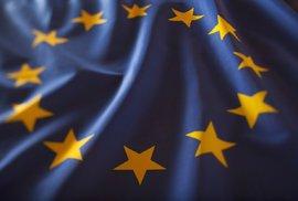 Velký průzkum ukázal, co obyvatele zemí Evropské unie trápí nejvíc. Uhodnete, koho nejvíc trápí migrace?