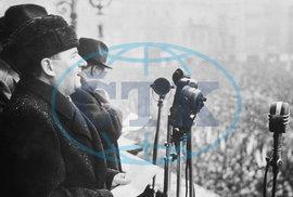 """Klement Gottwald, Staroměstské náměstí, 25. února 1948: """"Prezident všechny moje návrhy přijal!"""""""