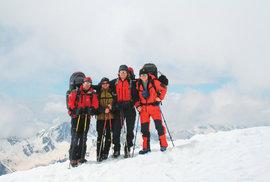 Výstup naslepo: S nevidomým kamarádem na vrchol hory Elbrus