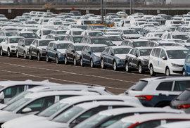 Češi se zamilovali do aut. Za loňský rok jich nakoupili nejvíc v historii, za starý…