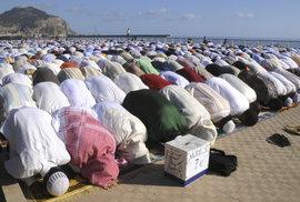 Masová migrace muslimů je mocnou zbraní v rukou radikálních islamistů i diktátorů