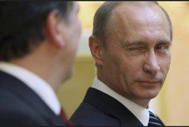 Ruské volby v kostce: Putinovi pomáhají sankce i smrt agenta v Británii. Voliči…