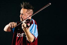 Do Prahy přijíždí houslista Nigel Kennedy, bad boy klasické hudby. Poslechněte si pět…