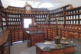 Kuks – lékárna z 19. století