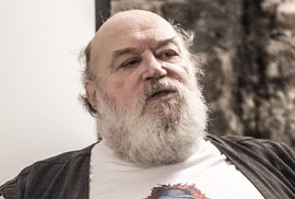 Zemřel Jan Kantůrek. Překladatel Zeměplochy již kráčí s velkou A'tuin