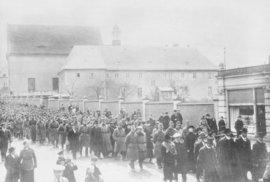 Protiválečné vystoupení českých vojáků během Rumburské vzpoury v roce 1918 skončilo jejich popravami