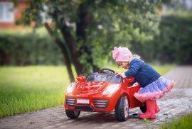 Evropská komise chce povinné ručení i pro dětská autíčka. Absurdní, reaguje specialista