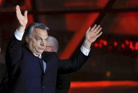 Výsledky voleb: Úspěch euroskeptiků a zelených, porážka řady tradičních stran, triumf Orbána i Le Penové