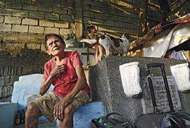 Hřbitov jako domov i zdroj příjmu. Pro tisíce chudých Filipínců každodenní realita