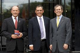 Karl-Erivan Haub se svými bratry Georgem a Christianem