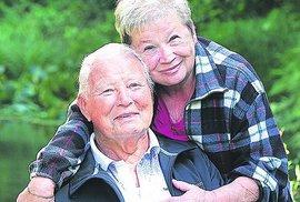 S manželkou Věrou Vlkovou, která se o něho obětavě stará.