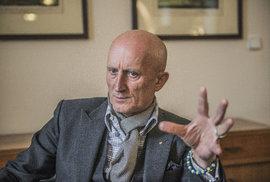Zákaz vlastnit média se na senátora Ivo Valentu nevztahuje, rozhodl senátní výbor