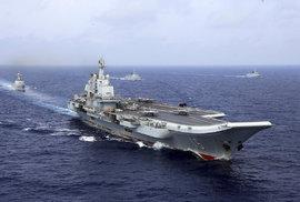 Čína se potýká se stavbou své první domácí letadlové lodě. Ani po století není…