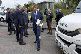 Babiš a jeho ministři: Vládní výletníci v demisi