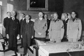 Hitler, Chamberlain, Daladier a Mussolini při podpisu Mnichovské dohody.