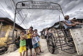 Poznejte odvrácenou tvář Filipín a vydejte se do největších slumů Manily s organizací Smokey Tours