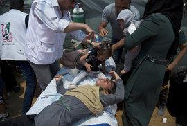 Izraelští vojáci zabili 58 Palestinců, včetně osmiměsíční holčičky.