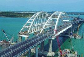 Stavba mostu přes Kerčský průliv byla dokončena.