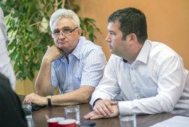 Naše kandidáty bude kádrovat KSČM? Babiš porušil dohodu, zní z ČSSD. Její senátoři chtějí konec jednání o vládě